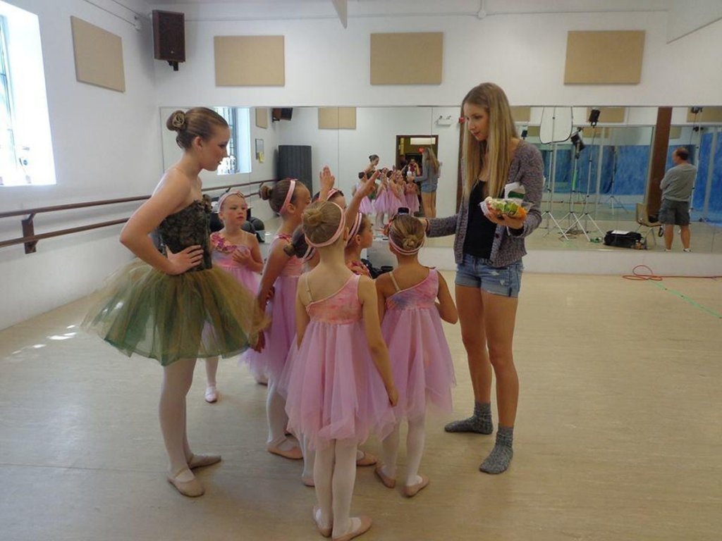 miss-kelly-and-her-ballerinas